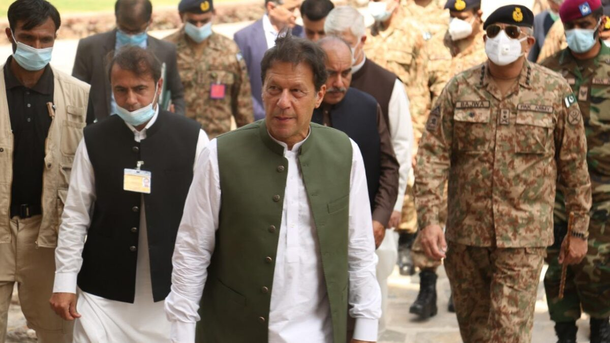 Prime Minister Imran Khan and General Qamar Javed Bajwa, Chief of Army Staff (COAS), visited Peshawar Corps Headquarters today. Governor and Chief Minister KP accompanied PM.