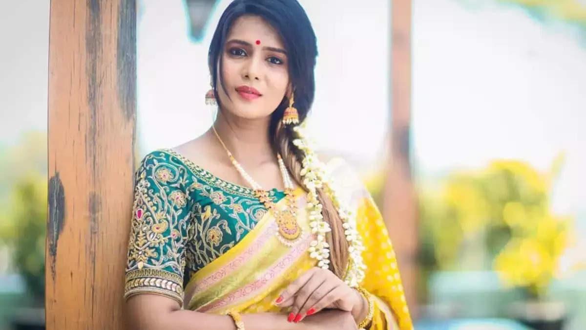 மீரா மிதுன் ஜாமீன் மனு: கோர்ட் அதிரடி தீர்ப்பு
